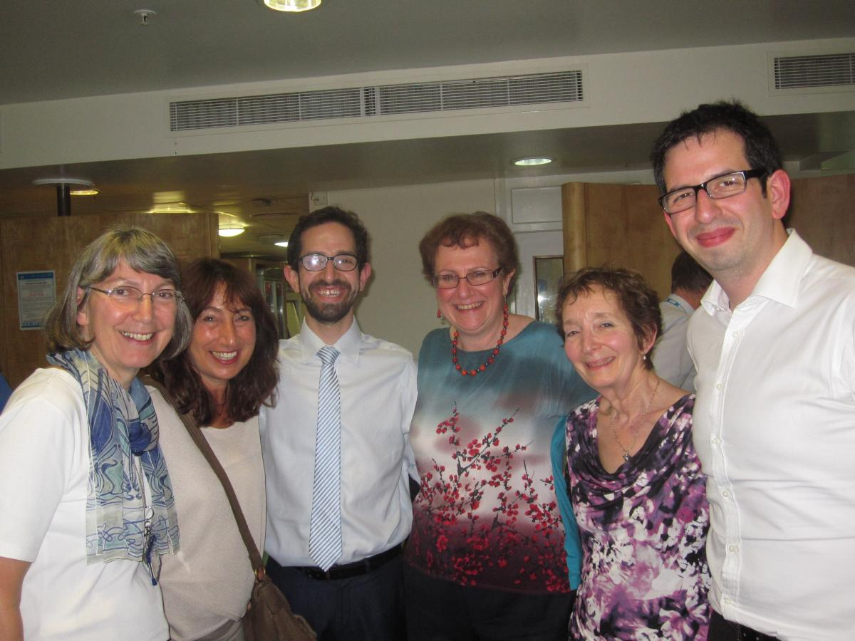 2014 lecturer Dr Hilary Cass OBE with friends and family of Dr Stuart Green